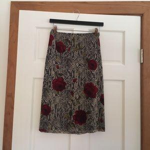 Below-the-knee rose skirt